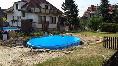 Oválný plastový bazén