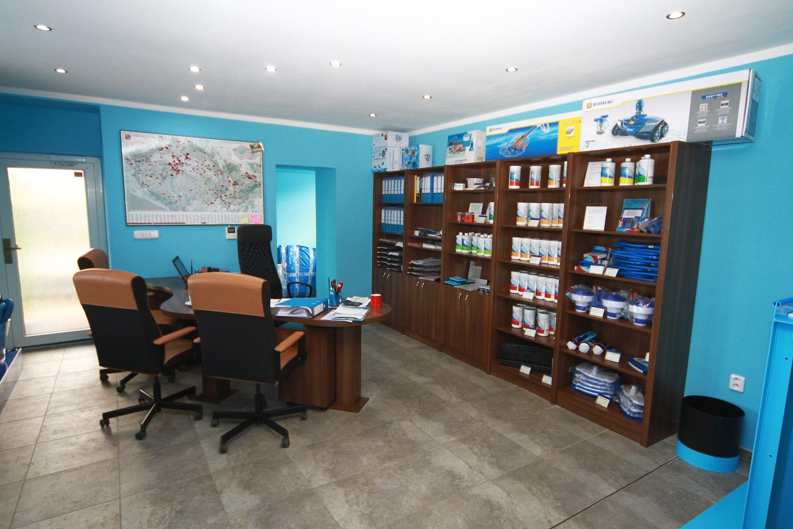 Výroba plastových bazénů - Chrást Tišice - Výroba a prodej