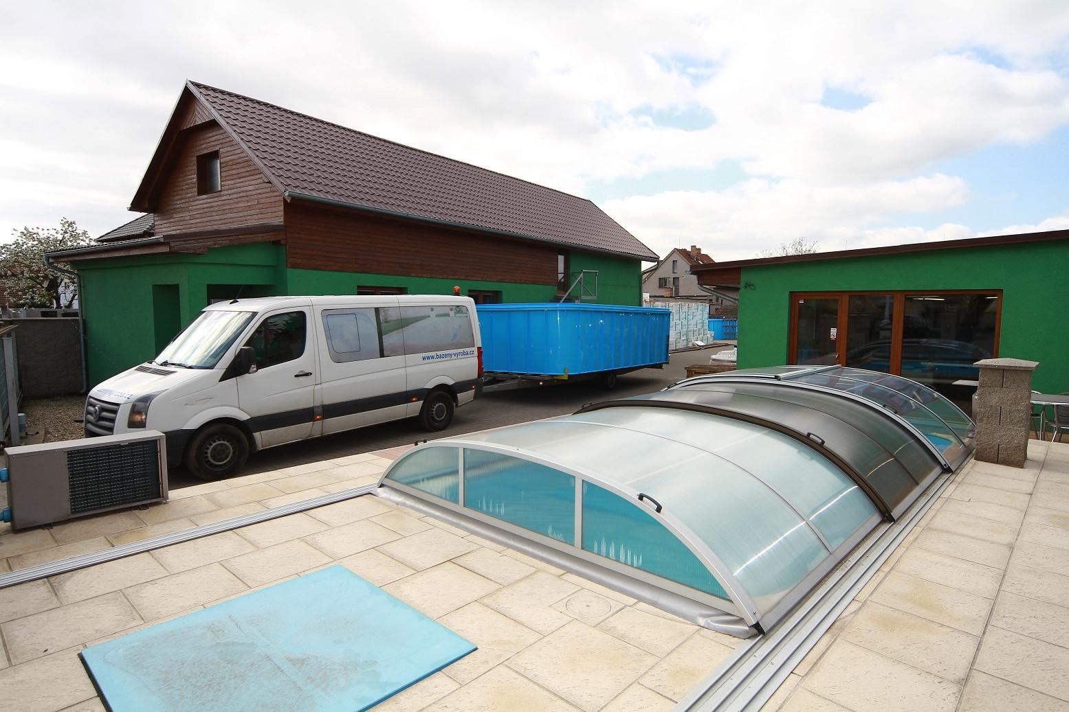 Výroba a prodej plastových bazénů - doprava zdarma