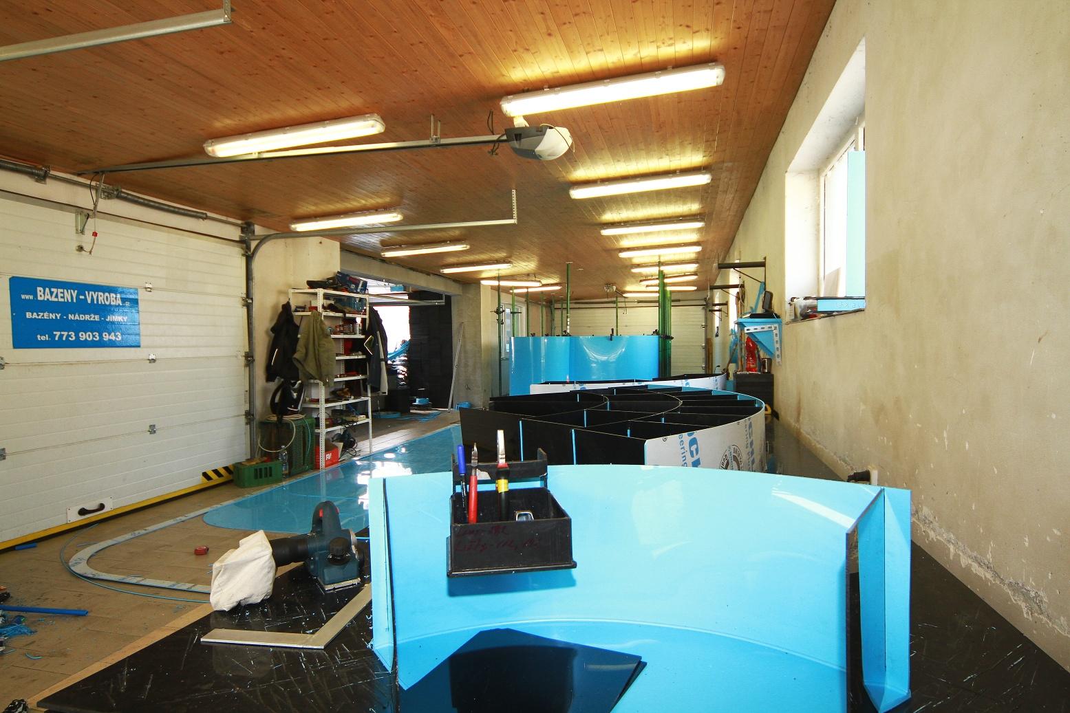 Výroba plastových bazénů - Tišice