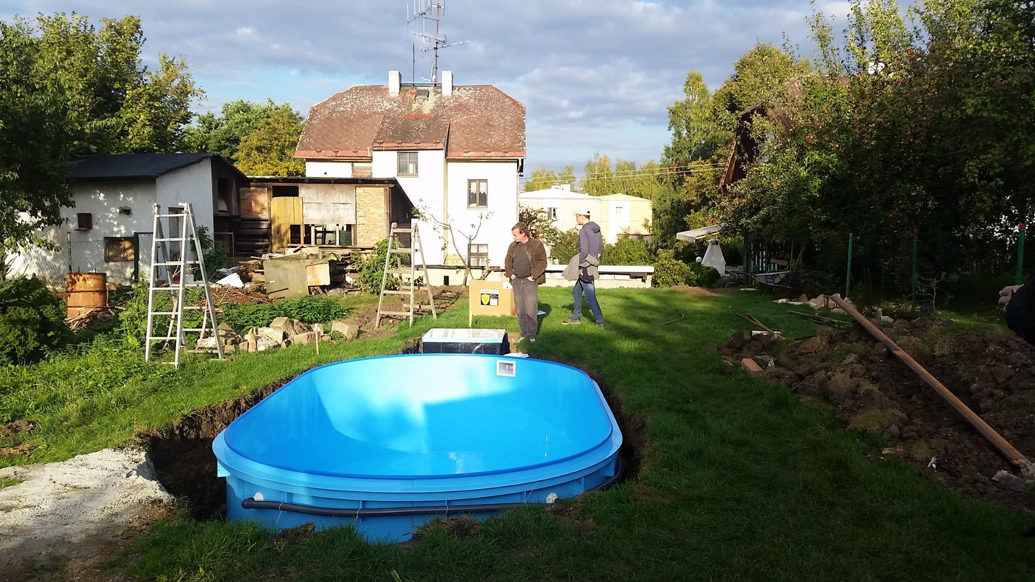 Plastový bazén v akci - instalace u zákazníka