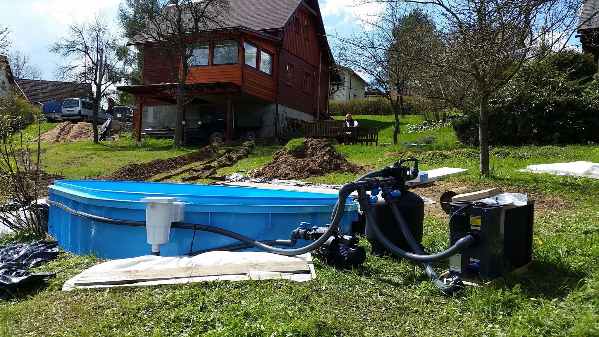 Zahradní zapuštěný plastový bazén - instalace