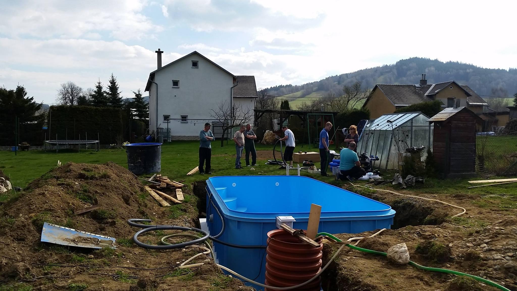 Instalace nového plastového bazénu od Bazény-výroba